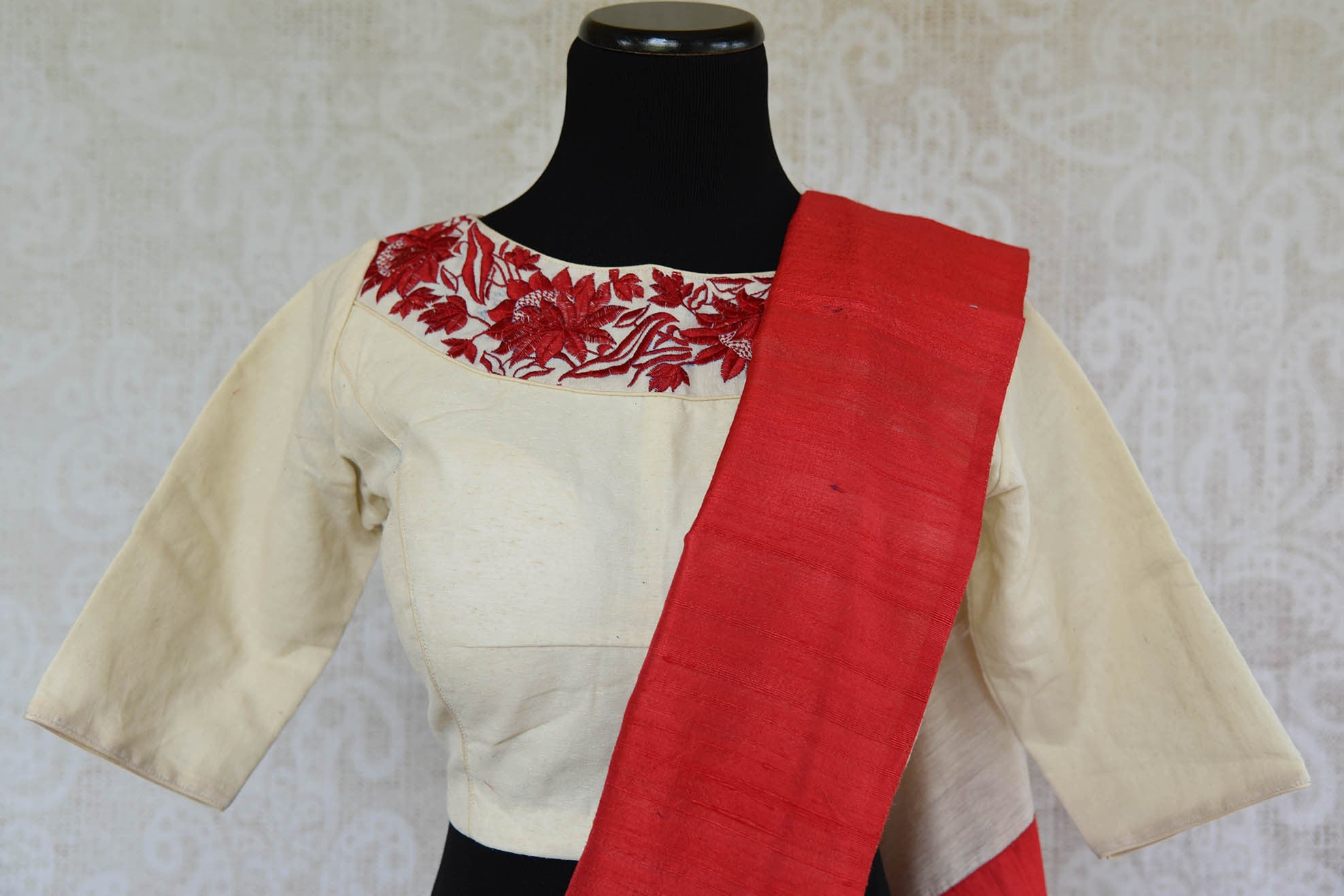 90C889 White & Red Matka Raw Silk Saree