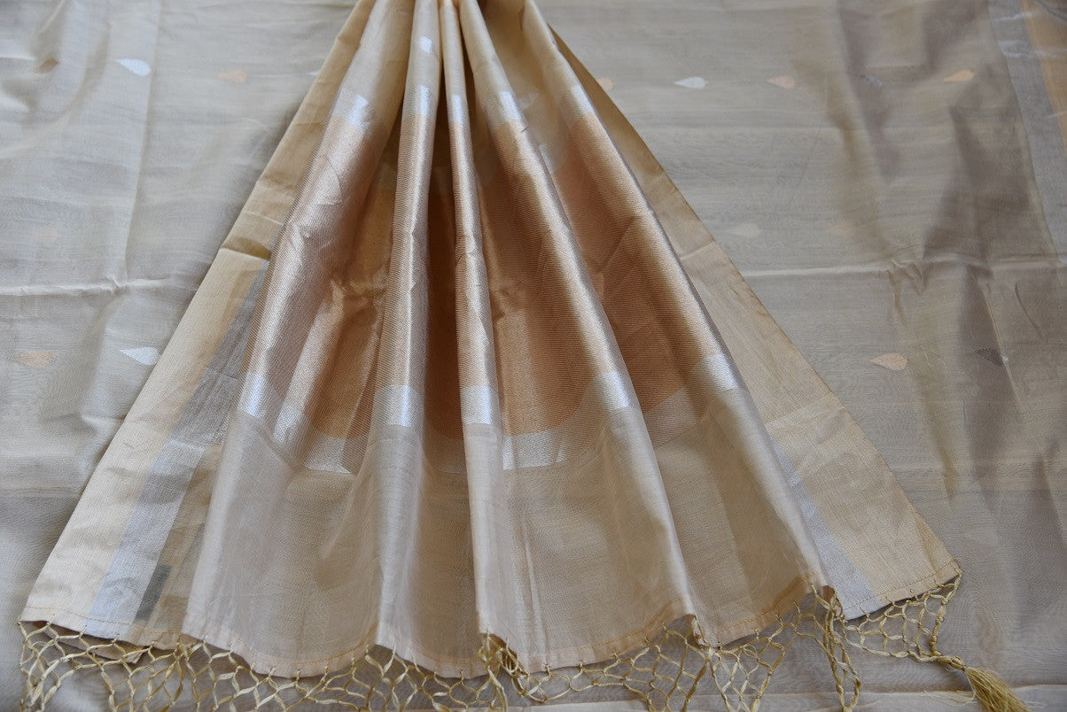 90C918 Off White & Subtle Gold Chanderi Saree