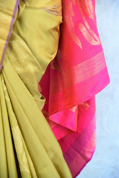 90D041 Mehendi Green and Pink Colored Kanjivaram Silk Saree , Bangalore Silk