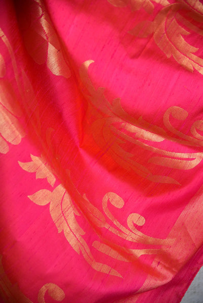 90D041 Mehendi Green and Pink Colored Kanjivaram Silk Saree , golden work on pink pallu