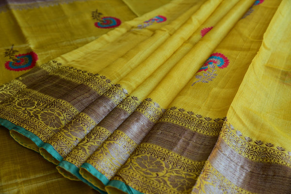 Tussar banarasi saree in yellow. Perfect saree for Indian wedding events and pujas. Grab this yellow and gold classy combination-gold banarasi border