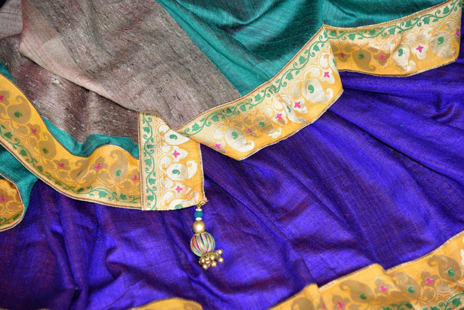 Buy blue and green Pashmina saree online in USA with khaddi Banarasi border from Pure Elegance online store. Visit our exclusive Indian clothing store in USA and get floored by a range of exquisite Indian Kanjivaram saris, Banarasi sarees, silk sarees, Indian jewelry and much more to complete your ethnic look.-details