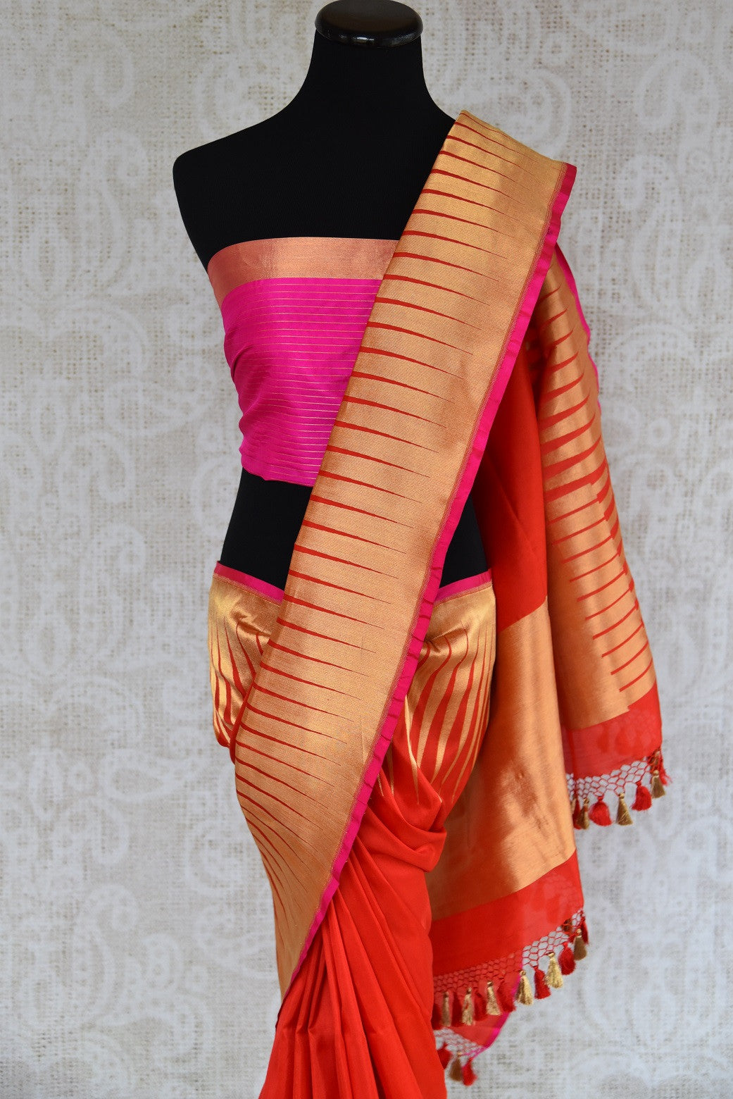 Shop this traditional Indian banarasi silk saree with zari border from Pure Elegance online or from our store in USA. Perfect for any wedding, reception or sangeet. Top View.