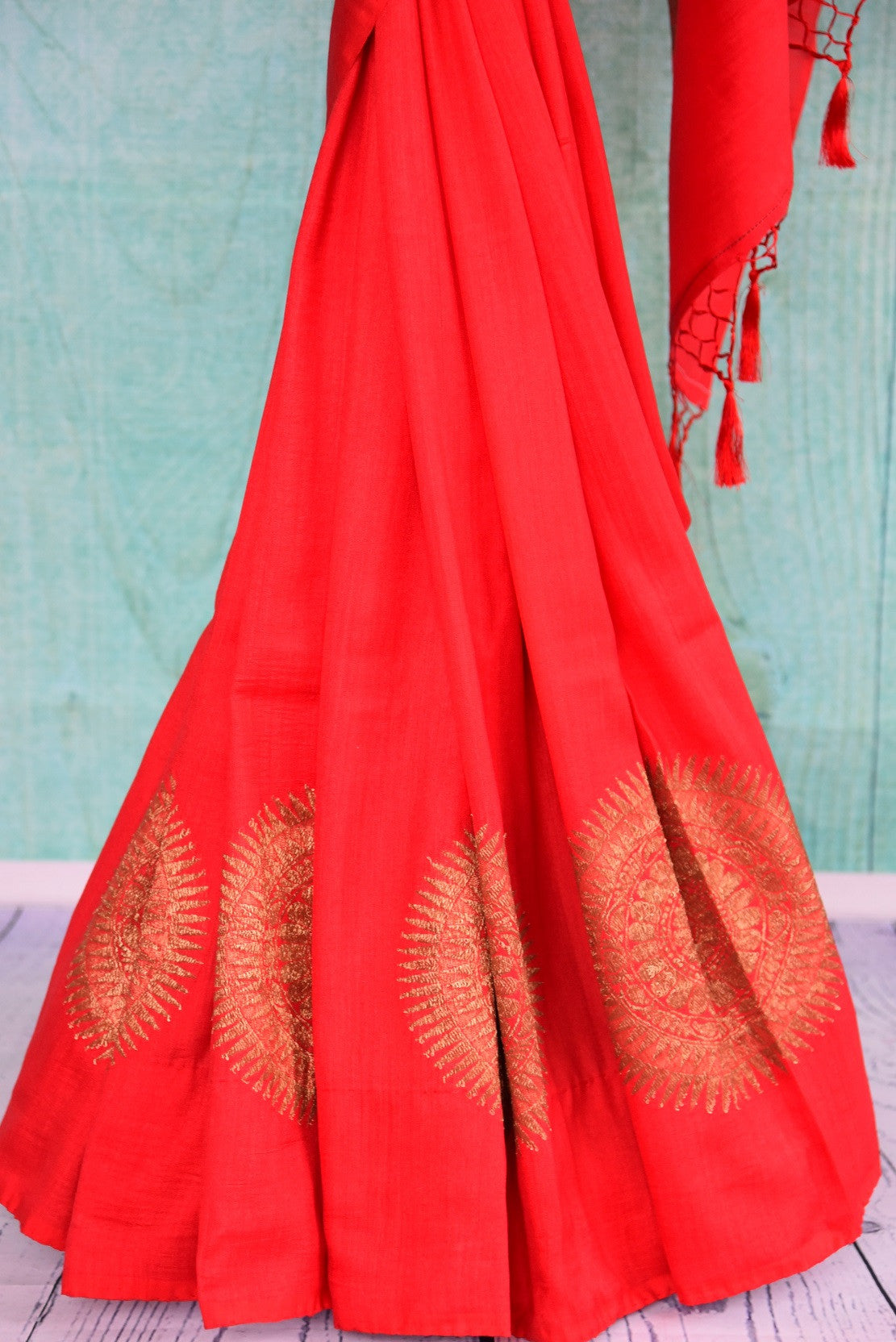 90D445 Traditional tussar georgette saree ideal for Indian wedding functions. The vibrant red & golden saree can be bought at Pure Elegance - our Indian clothing store in USA.