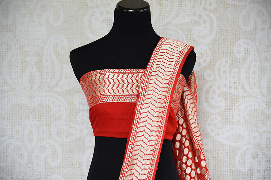 Red and gold georgette banarasi saree with gold jaal all over with beautiful pallu. Perfect for Indian weddings.-pallu