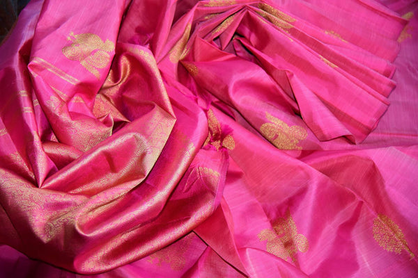 Buy elegant pink Kanjeevaram silk saree online in USA from Pure Elegance. Our store brings you an exclusive range Indian woven silk Kanchipuram saris online USA.-details