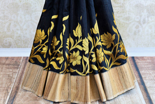 Buy black ghicha Banarasi sari online in USA with floral border. Get your hands on traditional Indian Banarasi sarees at Pure Elegance online store in USA now.-pleats