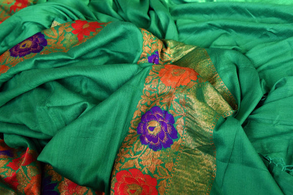 Buy green muga Banarasi saree online in USA. Choose from a range of exquisite ethnic Indian Banarasi sarees for weddings from Pure Elegance fashion store in USA.-details