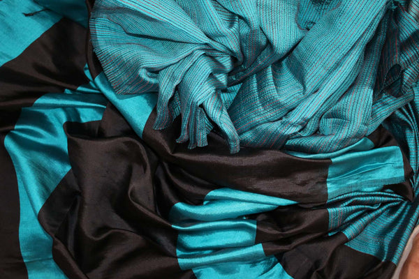 Buy blue matka silk saree with black striped pallu online in USA. Pure Elegance fashion store brings a stunning variety of Indian woven matka silk saris in USA.-details