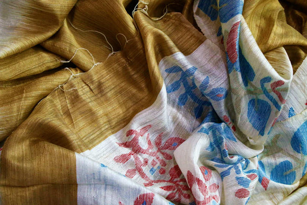Buy golden beige matka silk saree online in USA. Pure Elegance fashion store brings a stunning range of traditional Indian Matka silk saris for weddings and parties in USA.-details