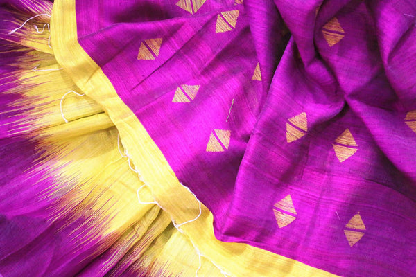 Buy green matka silk saree online in USA. Pure Elegance fashion store brings a stunning range of ethnic Indian designer sarees for weddings and parties in USA.-details