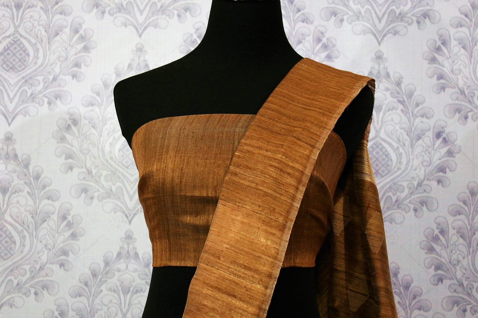 Buy beige matka silk saree with brown border online in USA. Pure Elegance fashion store brings a stunning range of ethnic Indian silk sarees for weddings in USA.-blouse pallu