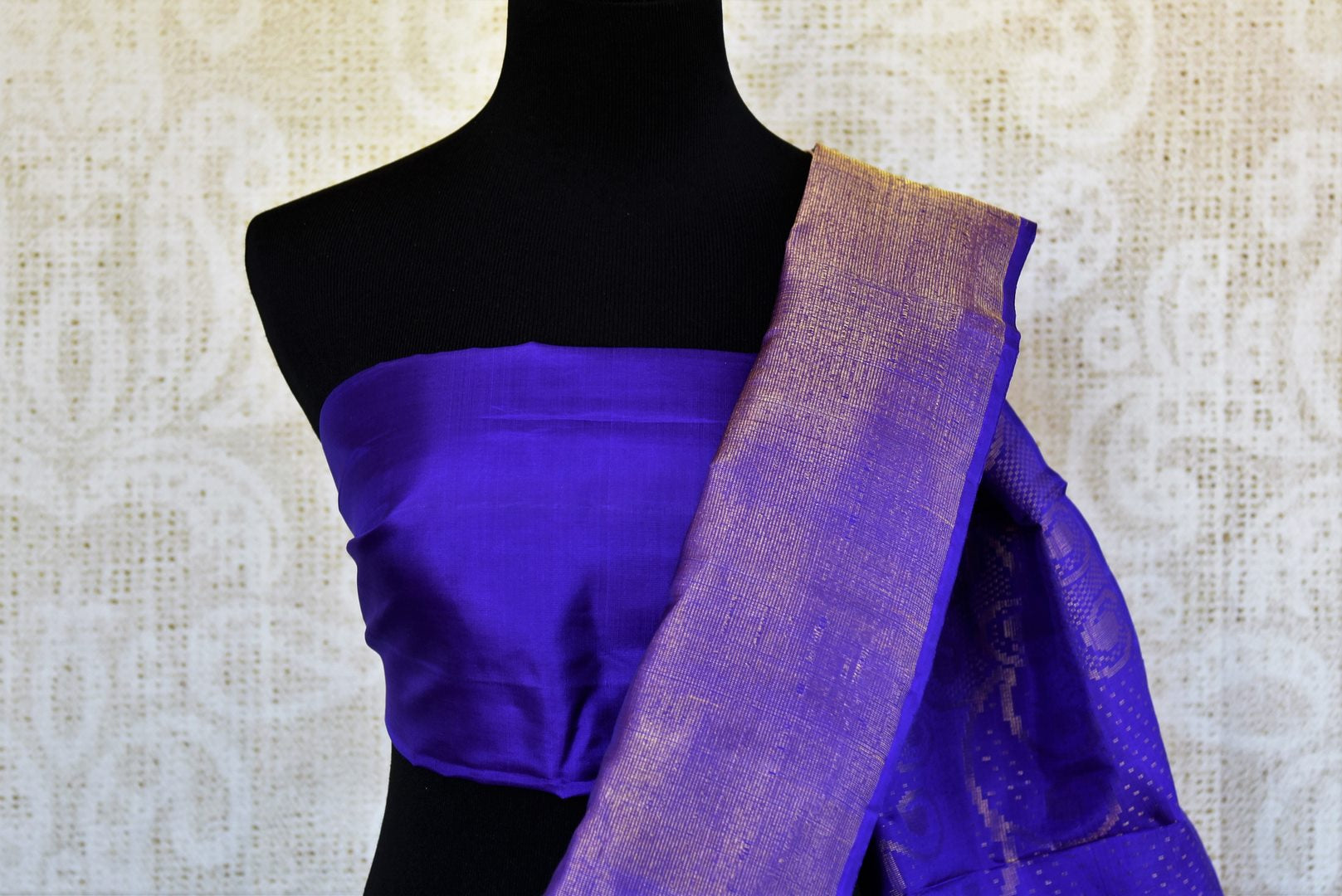 Buy blue Kanchipuram silk saree online in USA. Pure Elegance clothing store brings an exquisite range of Indian Kanjivaram silk sarees in USA for women.  Shop online.-blouse pallu