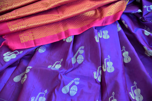 Beautiful purple Kanjivaram silk saree buy online in USA with buta. Make your ethnic wardrobe rich with  Indian silk saris from Pure Elegance online store in USA.-details