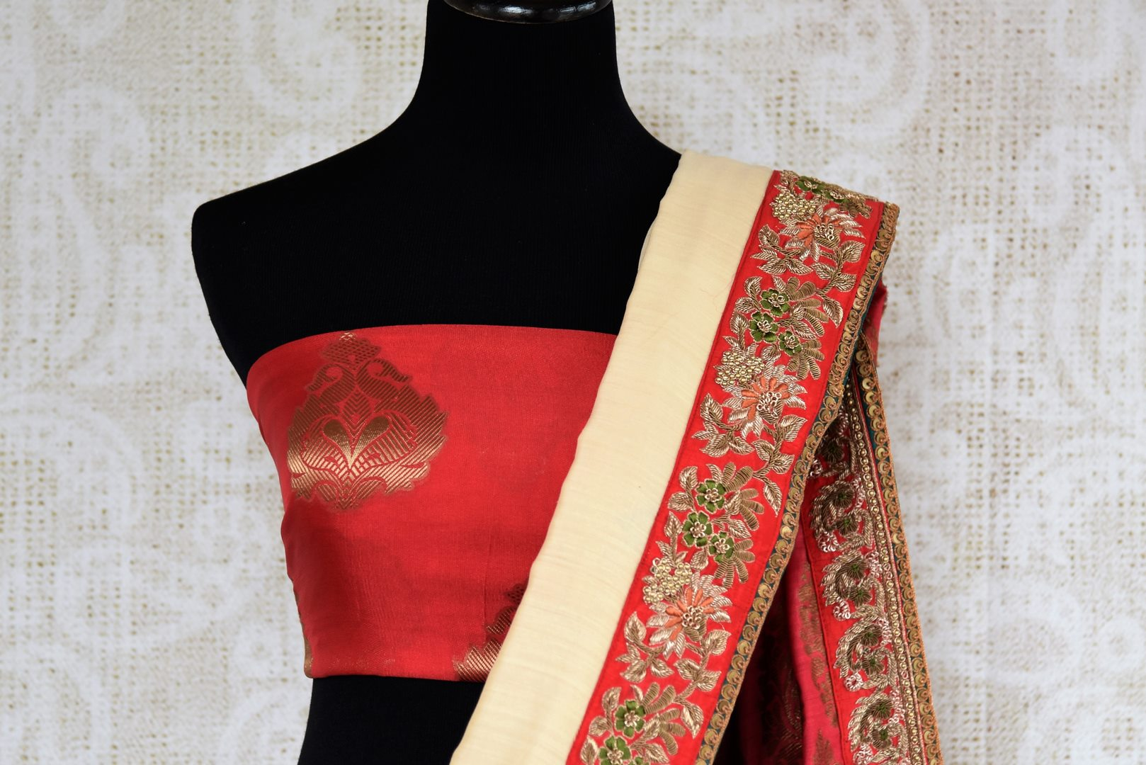 Buy beautiful cream tussar georgette Banarasi saree online in USA with embroidery, The saree is a beautiful drape for a traditional Indian look at weddings. Find more such exquisite Indian designer saris in USA at Pure Elegance Indian fashion store. Shop now.-blouse pallu