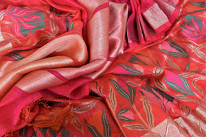 Buy dark pink chanderi Banarasi saree online in USA with floral design. Shine with the beauty of woven Indian Banarasi sarees available at Pure Elegance exclusive Indian clothing store in USA or browse through our website and shop online.-details