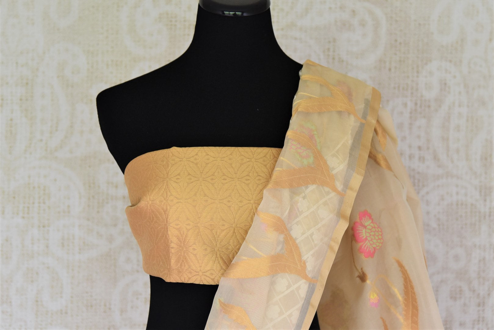 Buy cream organza Banarasi saree online in USA with check design. Give your Indian look an extra style edge with beautiful Indian designer sarees available at Pure Elegance Indian clothing store in USA or shop online.-blouse pallu