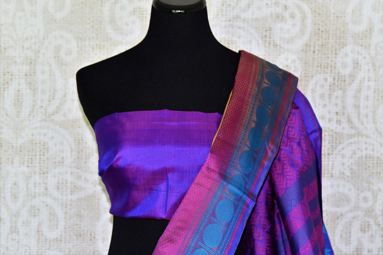 Buy cream color Kanjeevaram silk saree online in USA with blue temple border. Make your Indian saree look rich with beautiful Indian Kanchipuram saris from Pure Elegance Indian clothing in USA or shop online.-blouse pallu