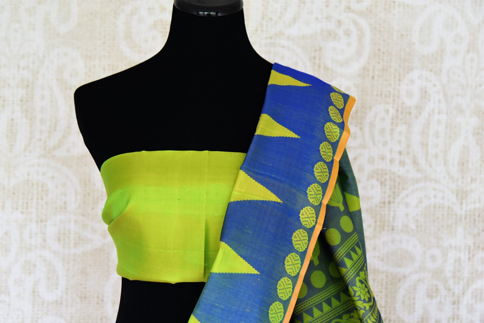 Green and blue Kanchipuram silk saree buy online in USA with temple border. Add the richness of Indian culture to your saree look with Kanjeevaram silk sarees, Indian designer sarees from Pure Elegance Indian clothing in USA or shop online.-blouse pallu