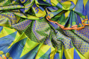 Green and blue Kanchipuram silk saree buy online in USA with temple border. Add the richness of Indian culture to your saree look with Kanjeevaram silk sarees, Indian designer sarees from Pure Elegance Indian clothing store in USA or shop online.-details