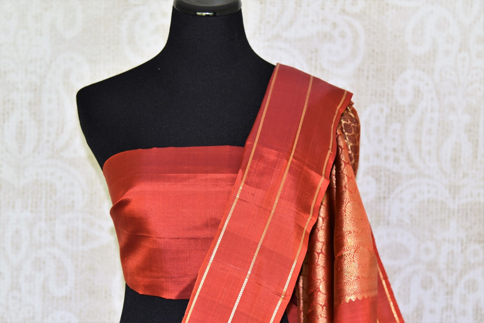 Shop purple Kanchipuram silk saree with zari buta online in USA. Adorn your style with a range of exquisite handwoven sarees from Pure Elegance Indian clothing store in USA. We have an exquisite range of Indian designer sarees, silk saris, Banarasi saris and many other varieties also available at our online store.-blouse pallu