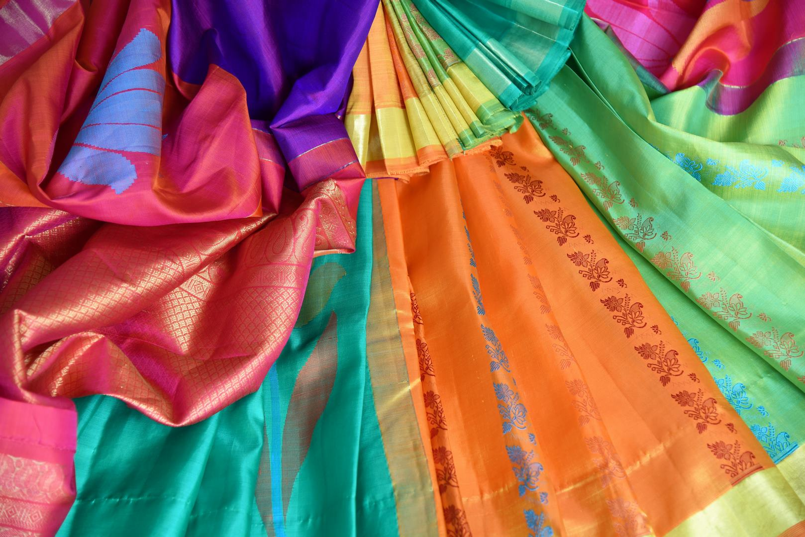 Buy multicolor Kanjeevaram silk saree with red zari pallu online in USA from Pure Elegance online store. Visit our exclusive Indian clothing store in USA and get floored by a range of exquisite Indian Kanjivaram saris, handloom sarees, silk sarees, Indian jewelry and much more to complete your ethnic look.-details