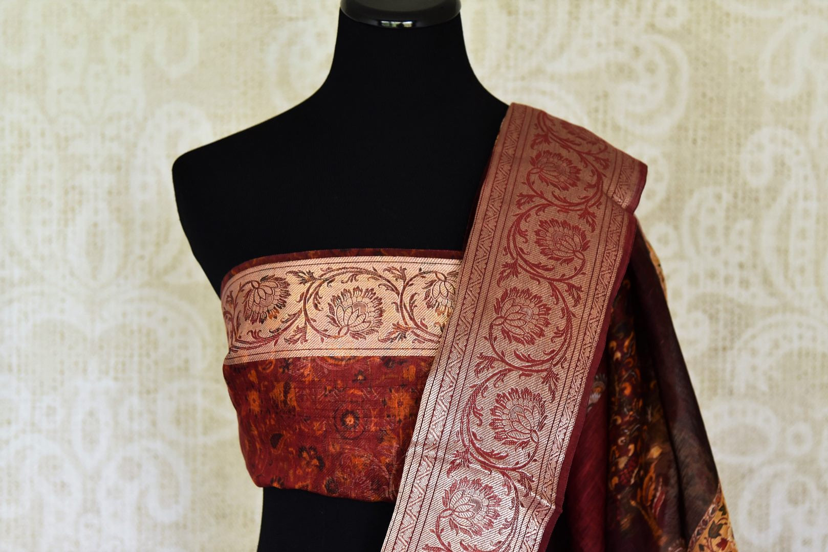 Shop maroon printed linen sari with zari border online in USA from Pure Elegance. Be occasion ready always with a range of beautiful traditional handwoven sarees, pure silk sarees, Banarasi saris, Kanchipuram sarees available at our Indian fashion store in USA. Grab your favorite pieces now also available at our online store.-blouse pallu