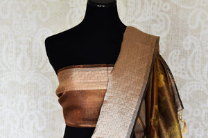 Buy golden tissue linen copper border Banarasi saree online in USA with floral print. Enhance your ethnic style with exquisite Indian handloom saris from Pure Elegance Indian clothing store in USA. Pick from a range of vibrant silk sarees, Banarasi sarees, Kanchipuram silk sarees for a stunning ethnic style.-blouse pallu