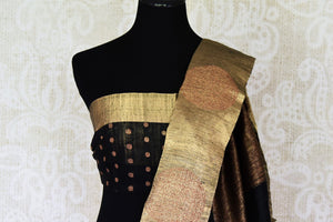 Shop off-white tussar Benarasi saree online in USA with black golden zari border. Be an epitome of elegance in exquisite Banarasi saris from Pure Elegance Indian clothing store in USA.-blouse pallu