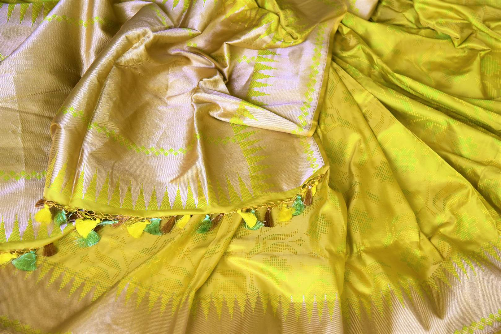 Shop yellow Benarasi silk saree online in USA with golden zari border. Shine bright on weddings and special occasions with beautiful Indian sarees, Banarasi silk saris, pure silk sarees from Pure Elegance Indian fashion store in USA.-details