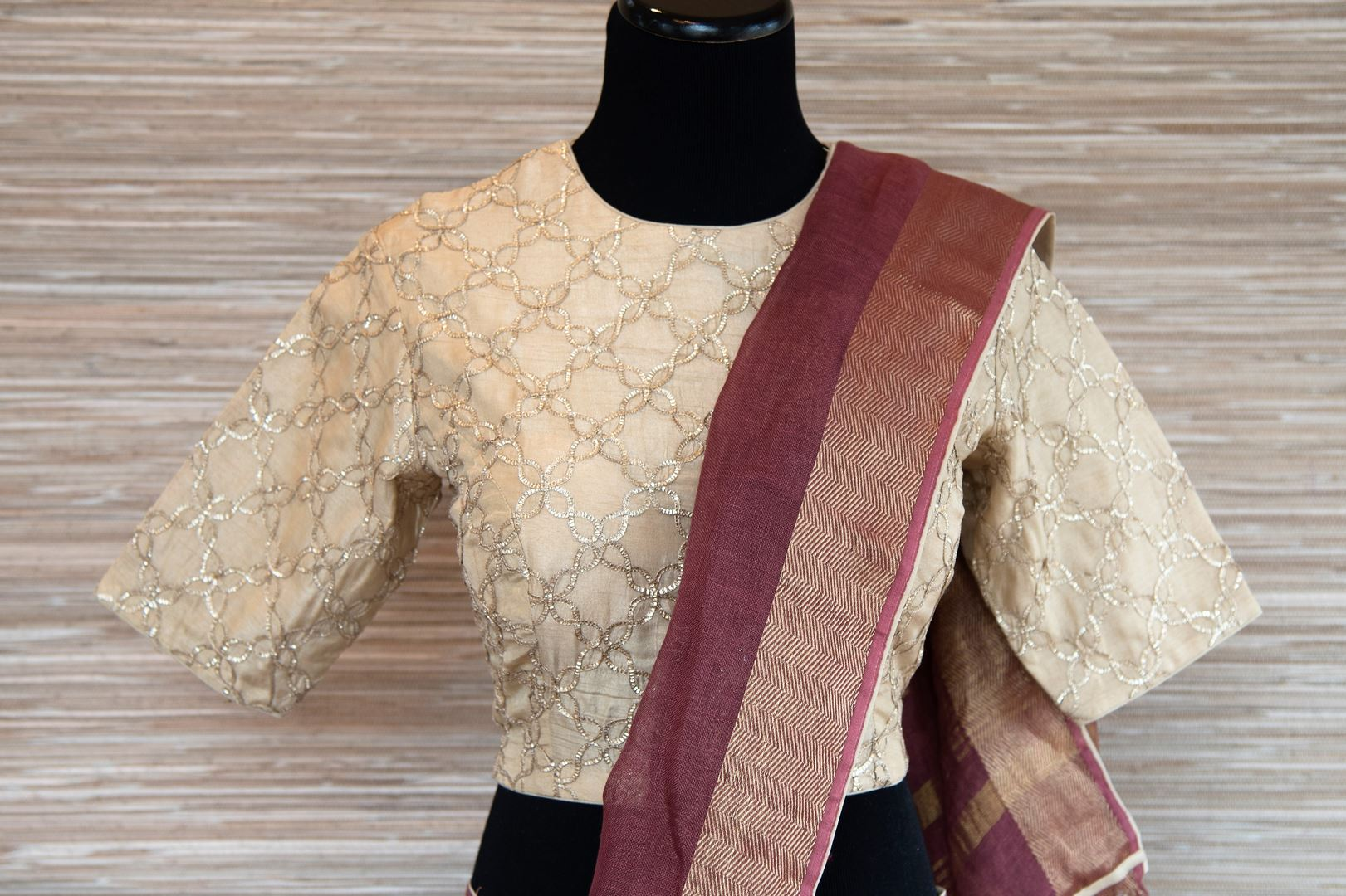 Buy rosewood pink linen sari online in USA with zari border and bird nest motifs. Make your ethnic style even more stylish with an exclusive range on Indian handloom sarees from Pure Elegance Indian fashion store in USA. -blouse pallu