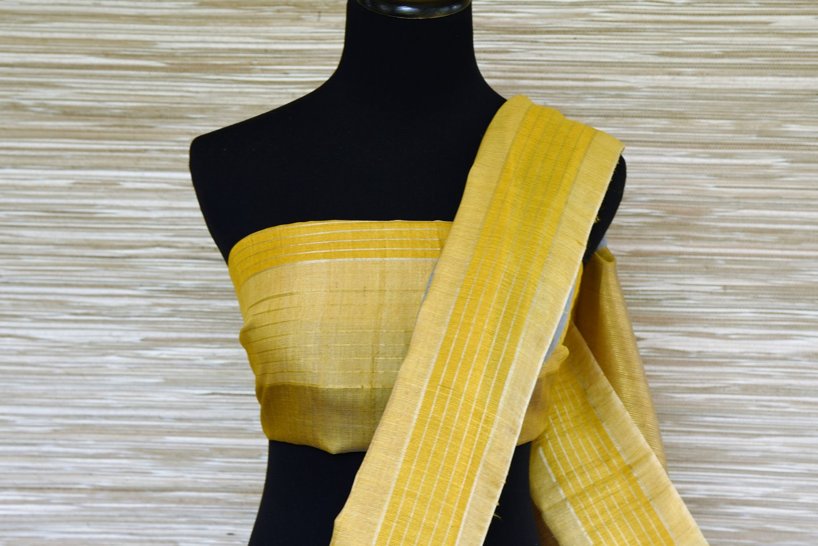 Buy grey embroidered linen saree online in USA with yellow border. Elevate your ethnic style with a tasteful collection of Indian handwoven sarees from Pure Elegance Indian clothing store in USA.-blouse pallu