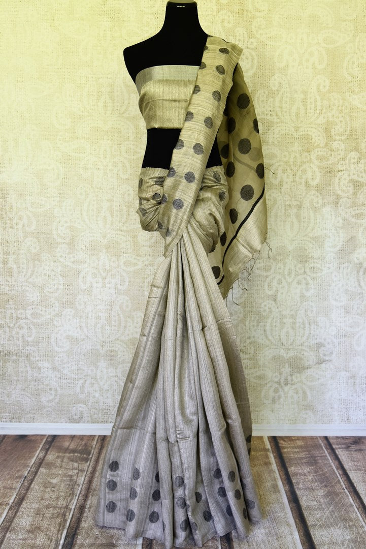 Buy grey matka silk saree online in USA with polka dots. Redefine your ethnic sartorial choice with a splendid variety of handwoven silk saris from Pure Elegance Indian clothing store in USA.-full view