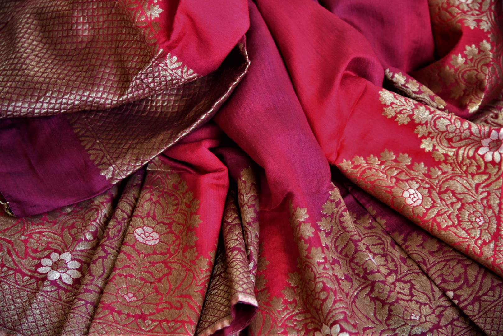 Buy maroon two-tone muga Benarasi saree online in USA with zari border. Grab exquisite Banarasi saris, embroidered saris, pure silk sarees for the coming festive and wedding season from Pure Elegance Indian boutique in USA. Shop online now.-details