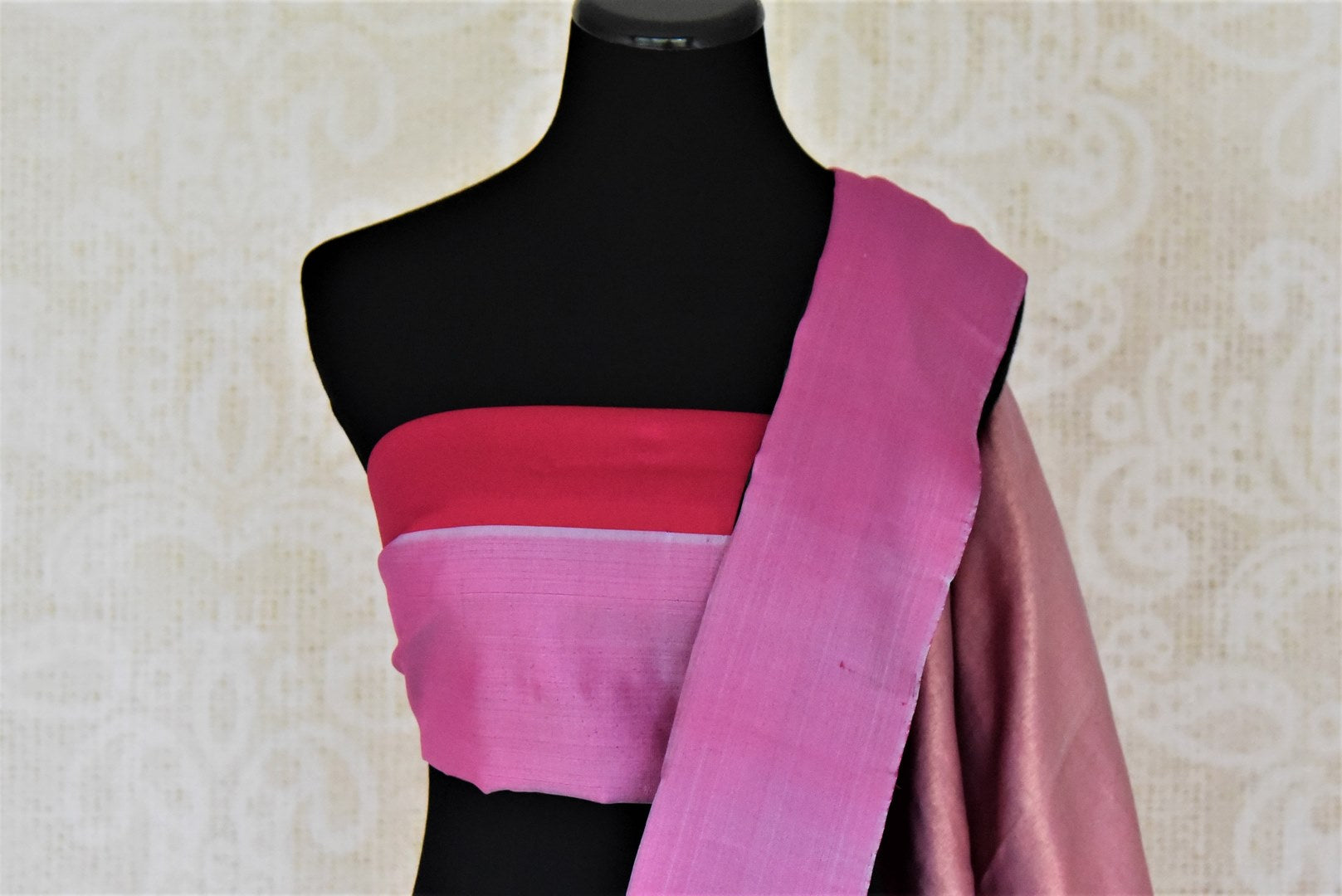 Shop beautiful green check Gadhwal silk saree online in USA with solid pink border. Let your elegance be the highlight of every occasion with stunning handwoven saris, soft silk sarees, traditional Kanchipuram sarees from Pure Elegance Indian fashion boutique in USA.-blouse pallu