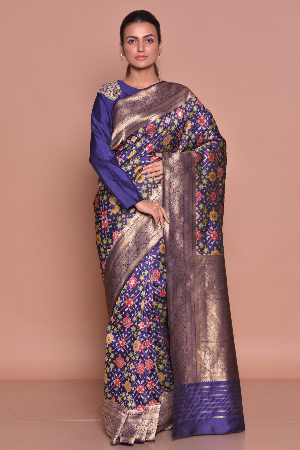 Shop gorgeous dark blue Banarasi saree online in USA with embroidered saree blouse. Set ethnic fashion goals with exquisite silk sarees with blouse, Banarasi sarees, Kanchipuram saris from Pure Elegance Indian luxury clothing store in USA.-full view