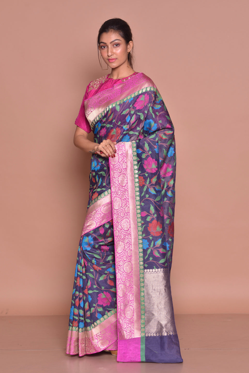 Buy gorgeous blue floral jute Banarasi saree online in USA with zari border and pink embroidered saree blouse. Set ethnic fashion goals with exquisite designer sarees with blouse, Banarasi sarees, Kanchipuram saris from Pure Elegance Indian luxury clothing store in USA.-side