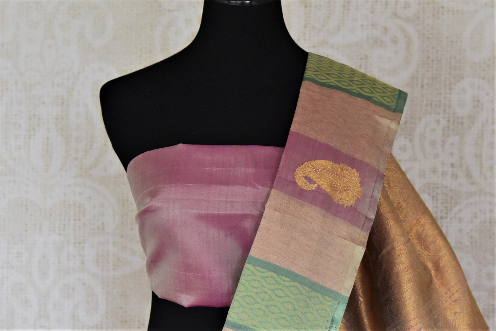 Buy beautiful multicolor stripes Kanjivaram saree with paisley zari buta. Give yourself a beautiful traditional makeover this wedding season with exquisite Kanchipuram silk sarees from Pure Elegance Indian fashion boutique in USA.-blouse pallu