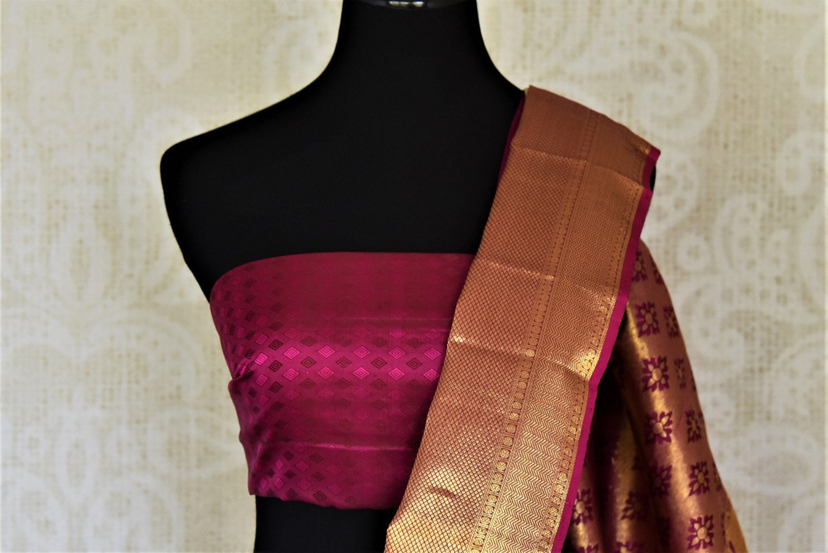 Buy beige Kanjeevaram sari online in USA with silver zari buta and magenta zari border. Get spoiled for choices with a myriad of Kanjivaram silk sarees, wedding sarees from Pure Elegance Indian fashion store in USA.-blouse pallu