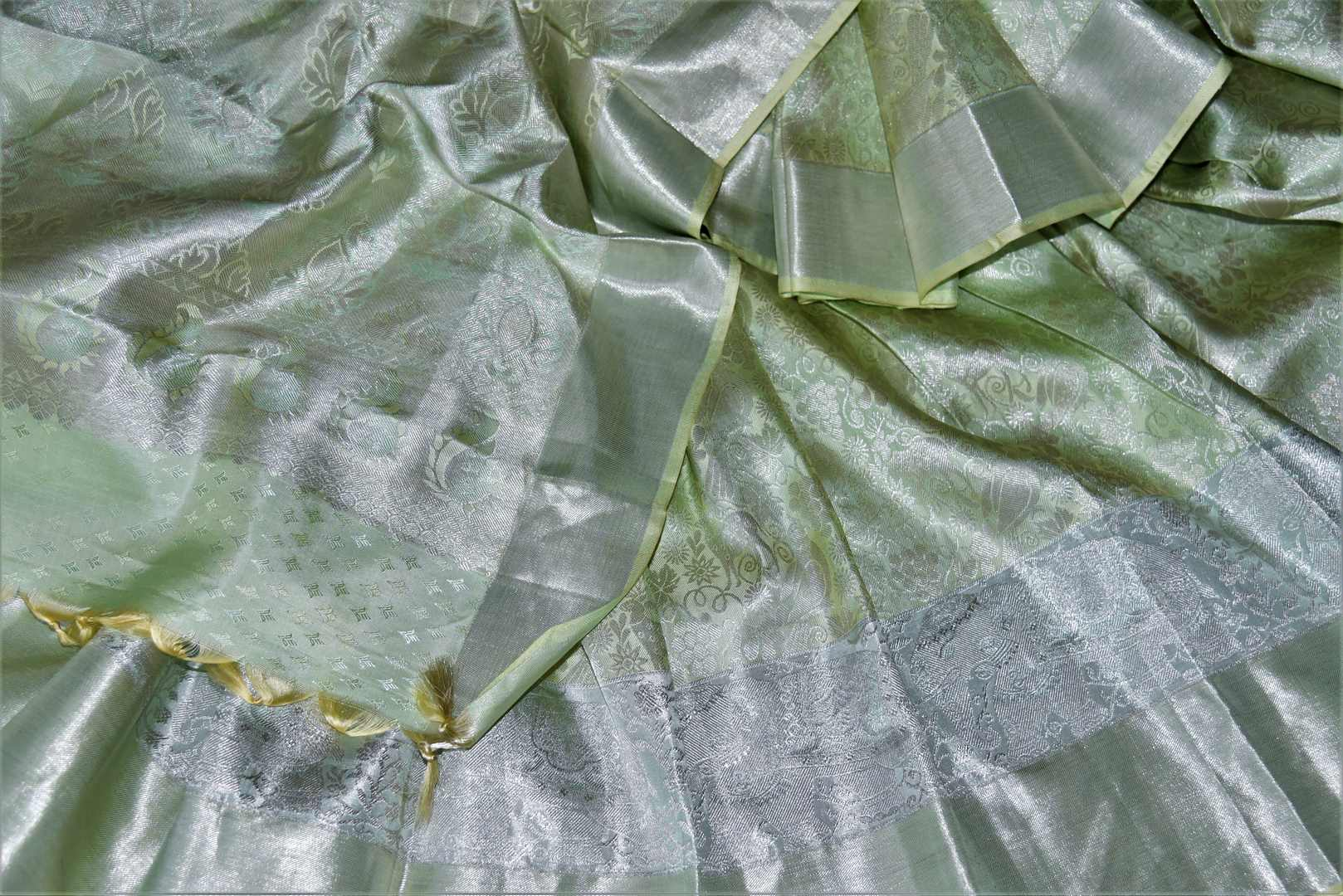 Buy beautiful pastel green silver zari work Kanchipuram saree online in USA. Make a beautiful appearance on special occasions with exquisite Indian designer sarees, Kanchipuram silk saris, Bollywood sarees from Pure Elegance Indian fashion store in USA.-details