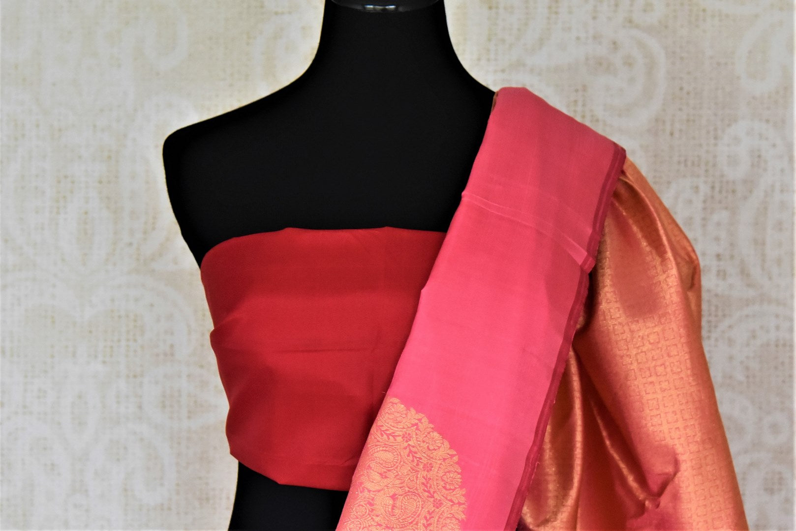 Buy beautiful pink borderless Kanjivaram saree online in USA with heavy zari buta. Spread your ethnic charm on special occasions with traditional Kanchipuram sarees, soft silk sarees from Pure Elegance Indian fashion store in USA.-blouse pallu