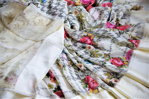 Shop off-white floral georgette saree online in USA with crepe border. Be the highlight of the parties and festive occasions with tasteful silk sarees, crepe saris, embroidered designer sarees from Pure Elegance Indian fashion store in USA.-details