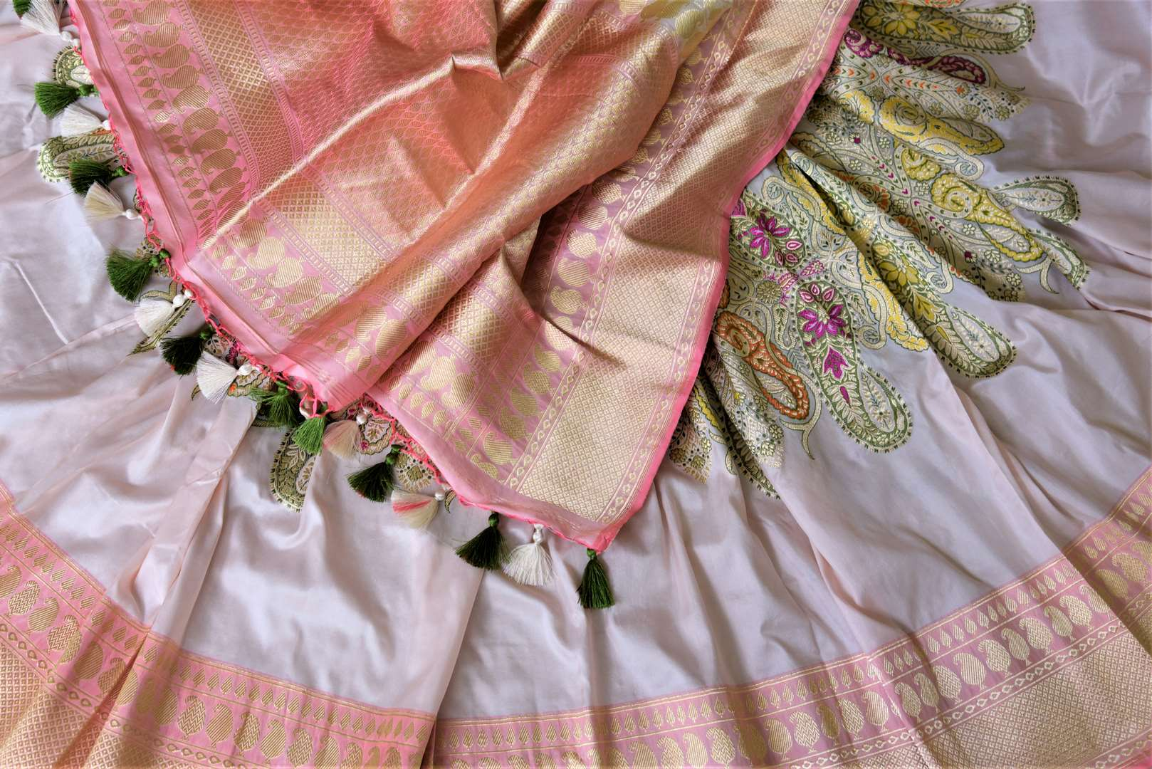 Buy gorgeous powder pink Banarasi silk saree online in USA with minakari zari paisley work. Enhance your festive look with pure silk sarees, Banarasi sarees, chanderi sarees in USA from Pure Elegance Indian clothing store in USA.-details