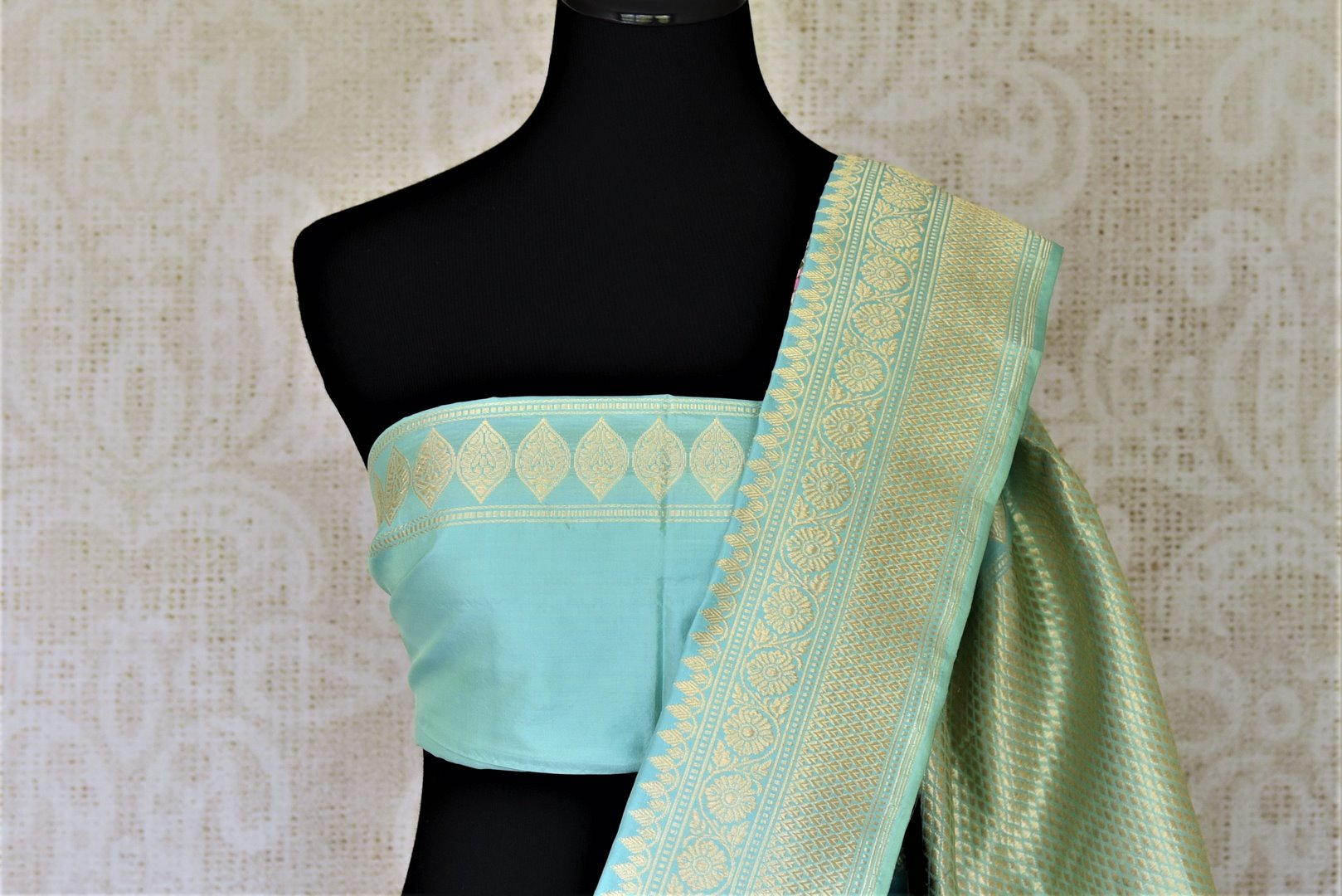 Buy gorgeous light blue Banarasi silk sari online in USA with minakari zari floral motifs. Enhance your festive look with pure silk sarees, Banarasi sarees, chanderi sarees in USA from Pure Elegance Indian clothing store in USA.-blouse pallu