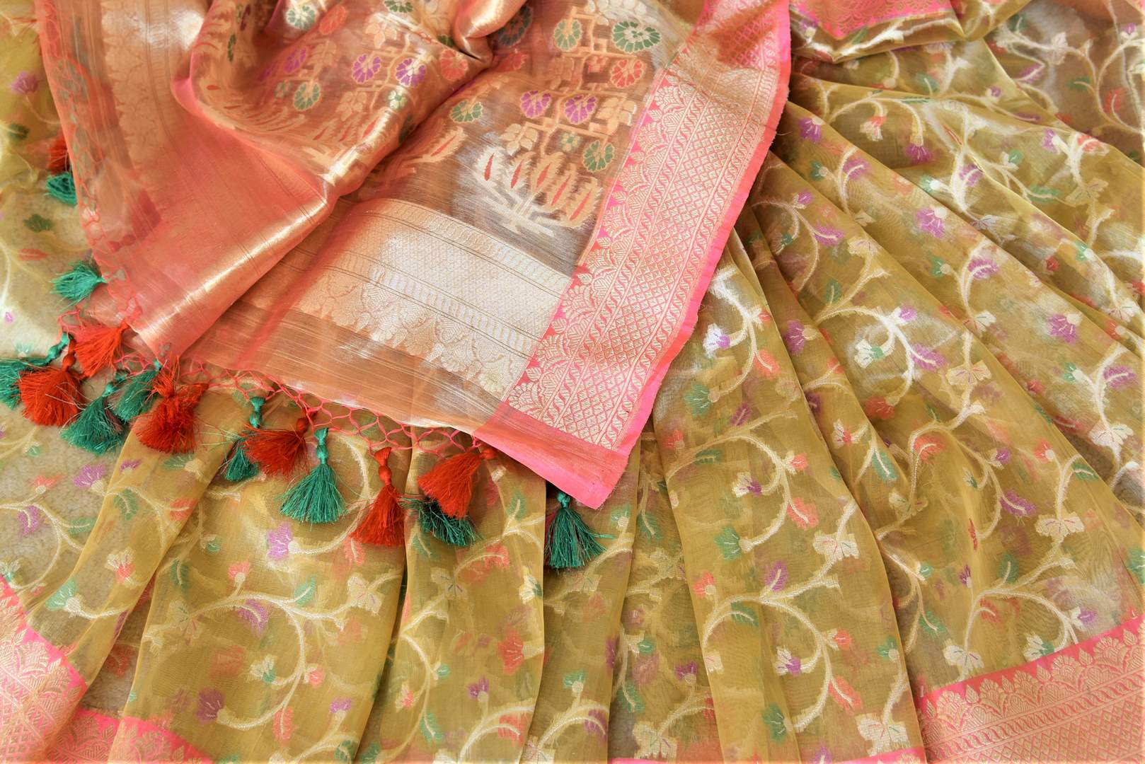 Buy attractive golden Banarasi silk sari online in USA with pink zari border and pallu. Enhance your festive look with pure silk sarees, Banarasi saris, chanderi sarees in USA from Pure Elegance Indian clothing store in USA.-details