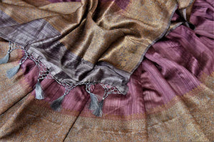 Buy stunning mauve tussar Banarsi saree online in USA with grey antique zari border. Choose tasteful handloom sarees for special occasions from Pure Elegance. Our exclusive Indian fashion store has a myriad of exquisite pure silk saris, tussar sarees, Banarasi sarees for Indian women in USA.-details