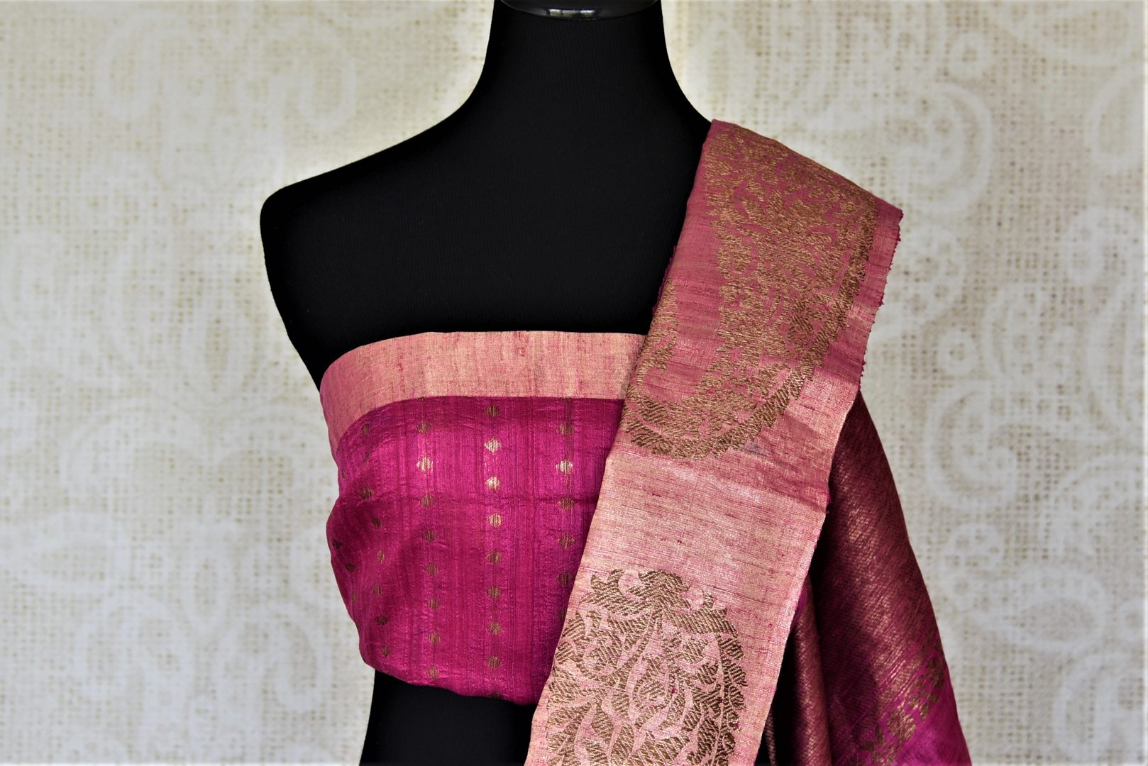 Shop stunning lavender tussar Banarasi sari online in USA with antique zari pink border. For Indian women in USA, Pure Elegance Indian fashion store brings an exquisite collection Banarasi sarees, Banarasi silk sarees, tussar sarees,  work sarees, pure silk sarees all under one roof. Shop online now.-blouse pallu