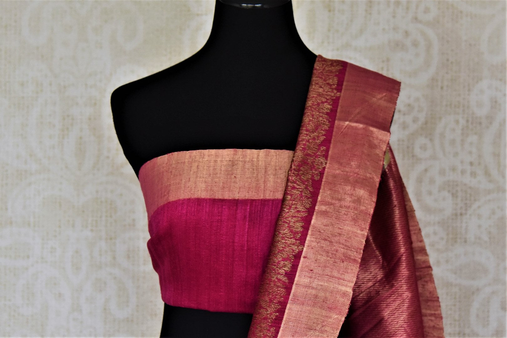 Shop beautiful mint green tussar Banarsi saree online in USA with pink antique zari border. Choose tasteful handloom sarees for special occasions from Pure Elegance. Our exclusive Indian fashion store has a myriad of exquisite pure silk saris, tussar sarees, Banarasi sarees for Indian women in USA.-blouse pallu