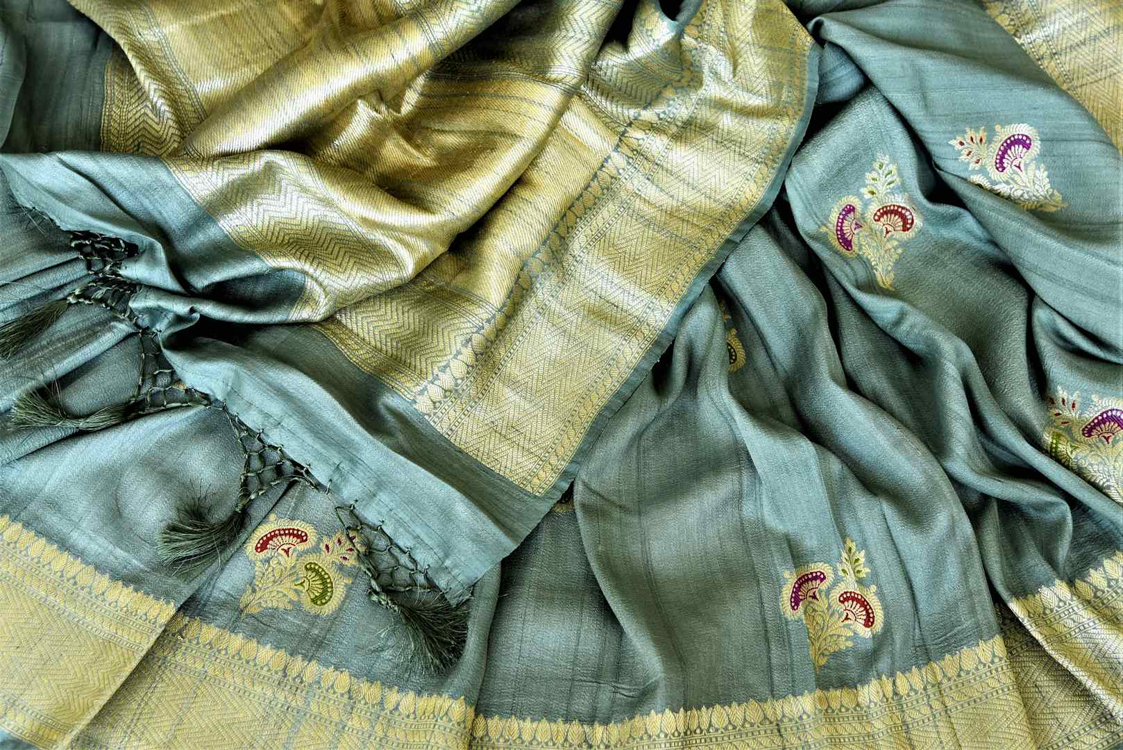 Shop gorgeous tea green tussar Banarasi saree online in USA with zari minakari floral buta. Be the center of attraction at weddings and parties with beautiful silk sarees, tussar sarees, embroidered sarees, partywear sarees, fancy sarees from Pure Elegance Indian fashion store in USA. -details