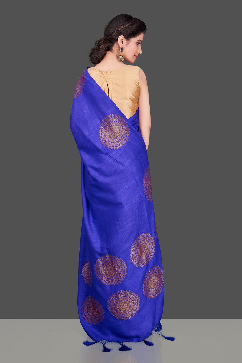 Shop attractive indigo blue borderless muga Banarasi saree online in USA with big zari buta. Shop beautiful Banarasi sarees, georgette sarees, pure muga silk sarees in USA from Pure Elegance Indian fashion boutique in USA. Get spoiled for choices with a splendid variety of Indian saris to choose from! Shop now.-back